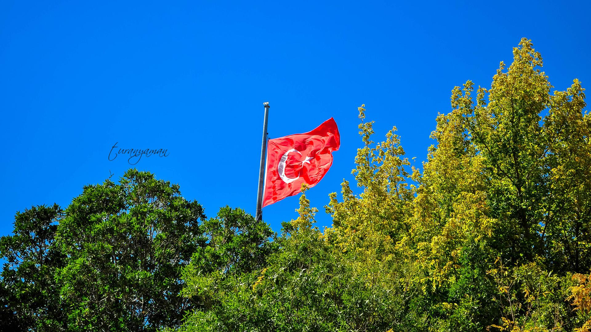 Turan YAMAN - Bayrağımız - 2013 - Niğde